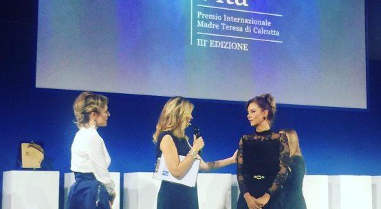 Ritiro premio. Barbara Benedettelli, Alessandra Viero, Nausika Spahia