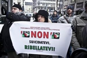 Manifestazione Non suicidatevi ribellatevi