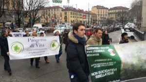 Manifestazione per vittime suicidi economici